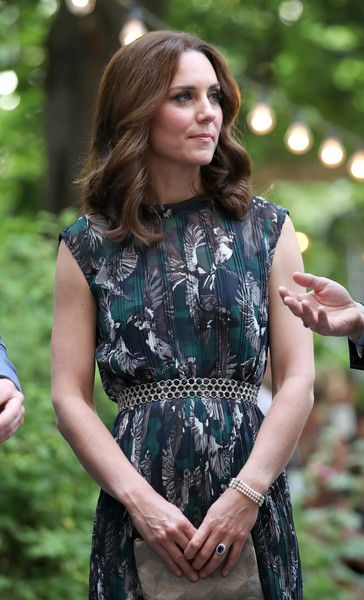Kate Middleton Photos Photos - Catherine, Duchess of Cambridge arrives at the last original dancehall in Berlin, the Clärchens Ballhaus, to attend a reception with Prince William, Duke of Cambridge on day 2 of their official visit to Germany on July 20, 2017 in Berlin, Germany. - The Duke and Duchess of Cambridge Visit Germany - Day 2