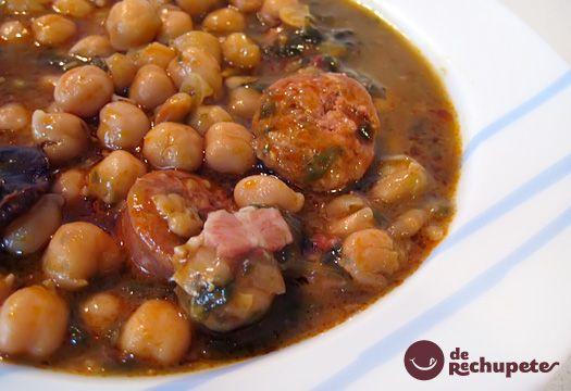Este potaje es un plato típico de esos días de frío en los que sólo apetecen platos de cuchara. Muy recurrente en cualquier comida como plato único. Preparación paso a paso, trucos, fotografía y vino recomendado