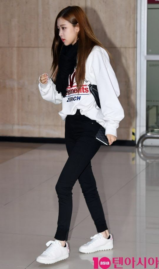 8 Best Female Idol Airport Fashion Outfits Of March 2018 Korean Airport Fashion Airport Fashion Kpop Fashion