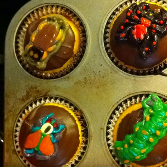 """Bug birthday cupcakes for Atley's """"infested"""" bug party"""