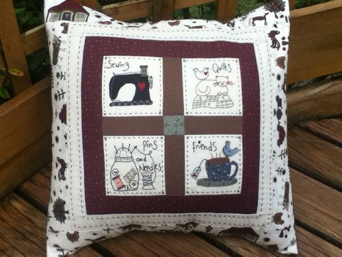 I designed it, you stitched it: Sewing Friends Pillow