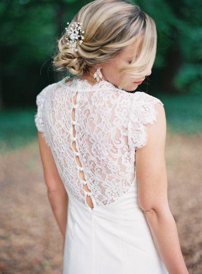 Gorgeous lace back: http://www.stylemepretty.com/2015/06/24/elegant-romantic-garden-wedding/ | Photography: Laura Leslie - http://lauralesliephotography.com/