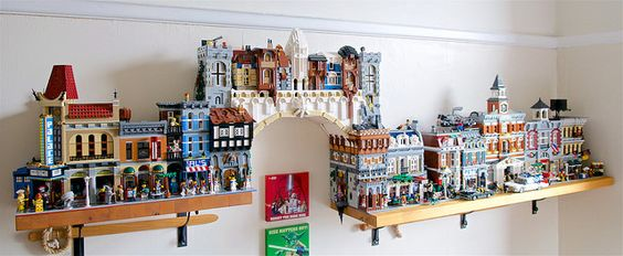 Silly readers, bookshelves are for displaying LEGO!