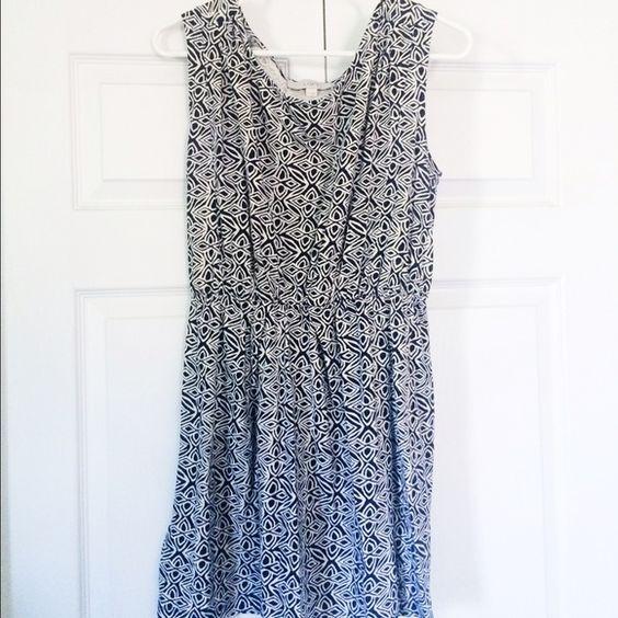LOFT Blue Patterned Dress - Size M In excellent condition! LOFT Dresses Midi