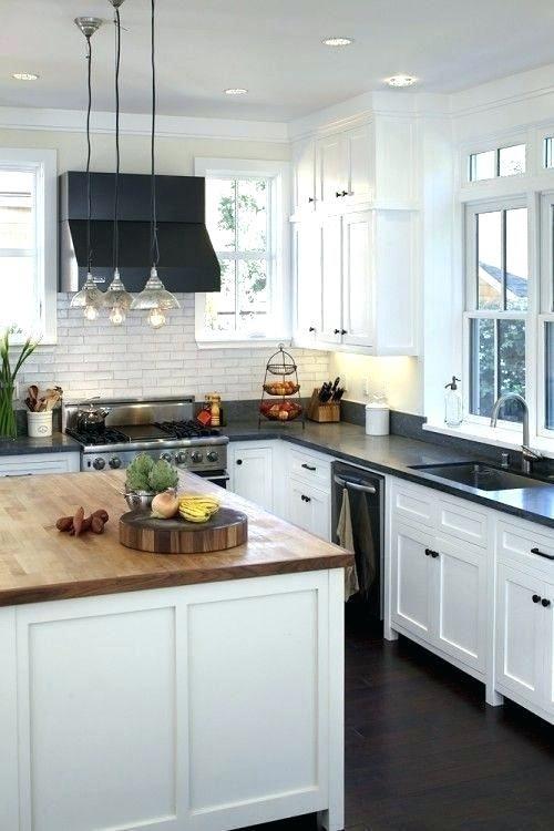 White Cabinets Dark Counters Light Cabinets Dark Counter Oak Floors Neutral Tile Black Splash Whit Kitchen Design Kitchen Black Counter Rustic Kitchen Cabinets