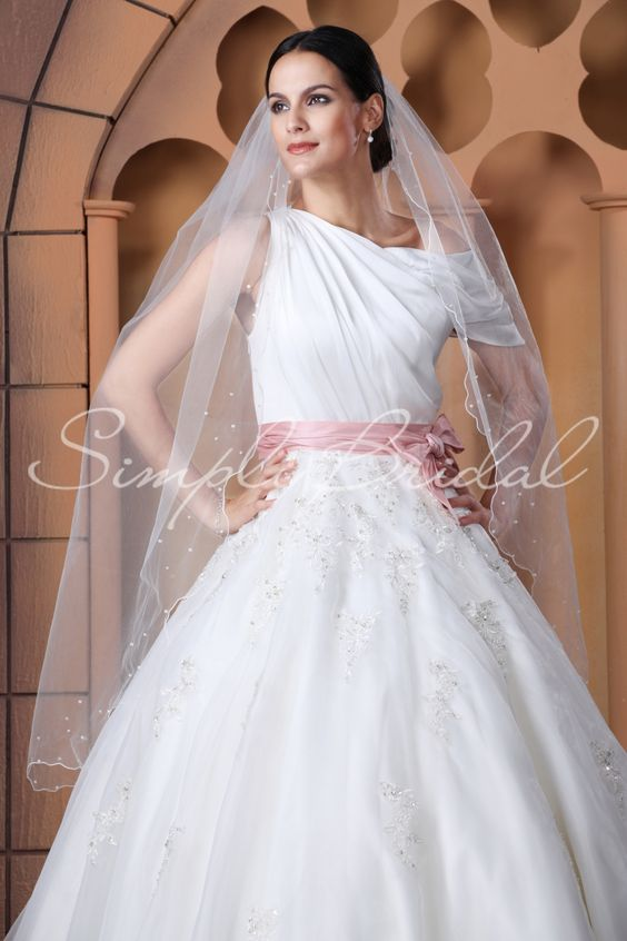 """Name: #87065 - One Tier 50"""" Scallop Pencil Edge Veil Scattered Pearls $25.51"""