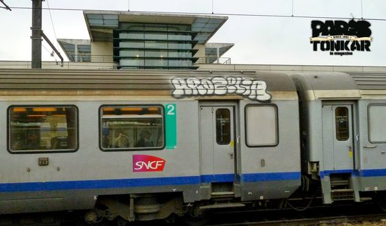 [Paris Tonkar magazine] #graffiti #streetart #urban #lifestyle: Trains :: mars 2014