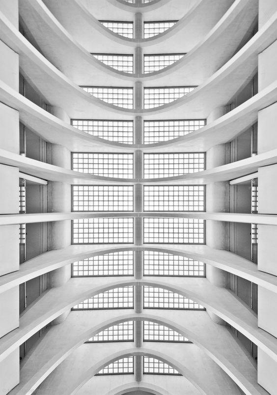 1X - Symmetrism by Meike Hofstetter