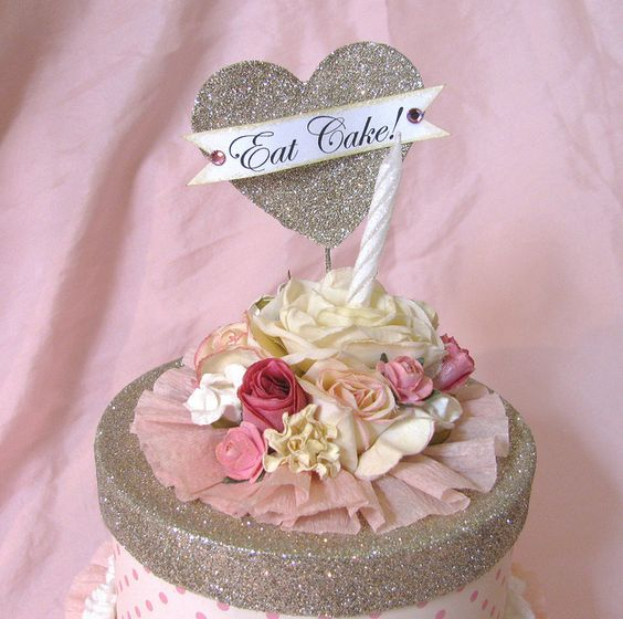 Paper cake box decorated with glitter, flowers and heart made by creative chaos