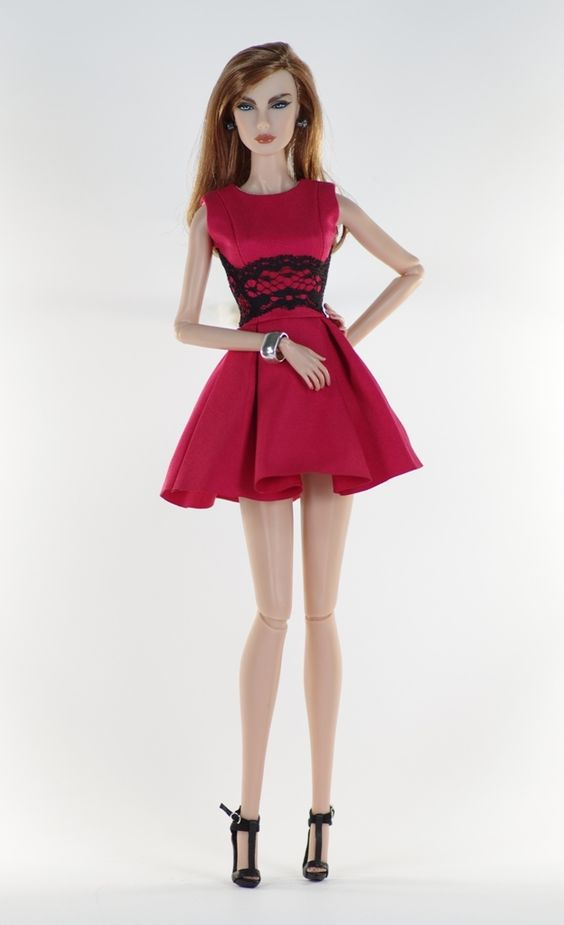 12. set (FR2 body size) set inc.: Red dress with lace application, jewelry, shoes.