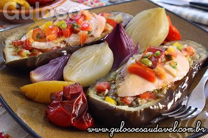 #BomDia!  A sugestão de #almoço é Peito de Frango Assado com Berinjelas, é pouco trabalhoso, super saboroso e nutritivo!  *#Receita aqui: http://zip.net/bvp9tY