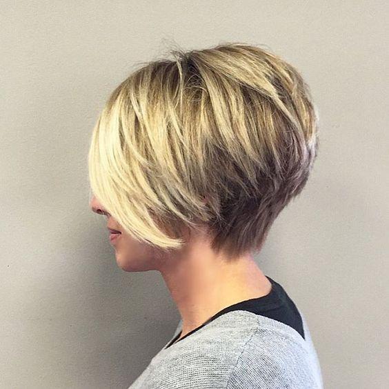 Bobs kurze blonde Haare and Fransen on Pinterest