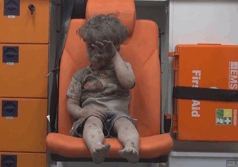 5歲敘利亞難民男童令人心碎但戰爭卻並未因此停止