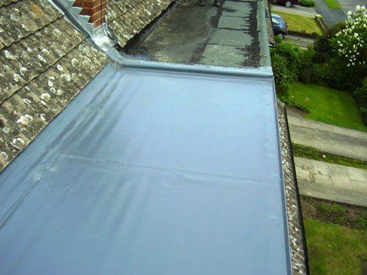 Which Is The Best Flat Roof System Felt Epdm Rubber Or Fibreglass Grp Flat Roofing Systems Compared In 2020 Flat Roof Replacement Flat Roof Systems Flat Roof House