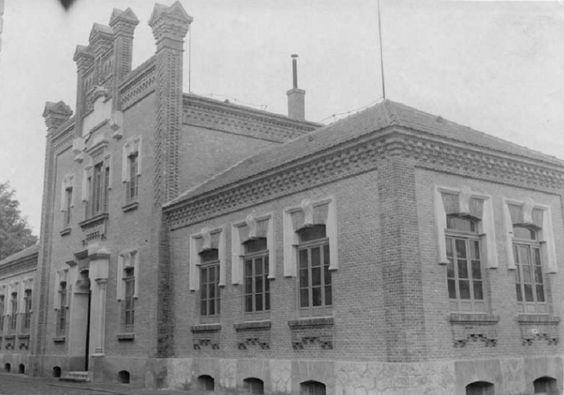 ESCUELAS GRADUADAS ANDRÉS BAQUERO. Murcia C. 1914.Murcia: Business Center Metropolis Empire - Page 377