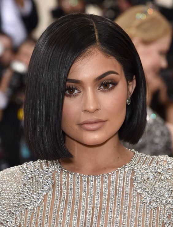 Kendall Jenner Short Hair 20 Pics Eazy Vibe Sleek Short Hair Kendall Jenner Hair Jenner Hair