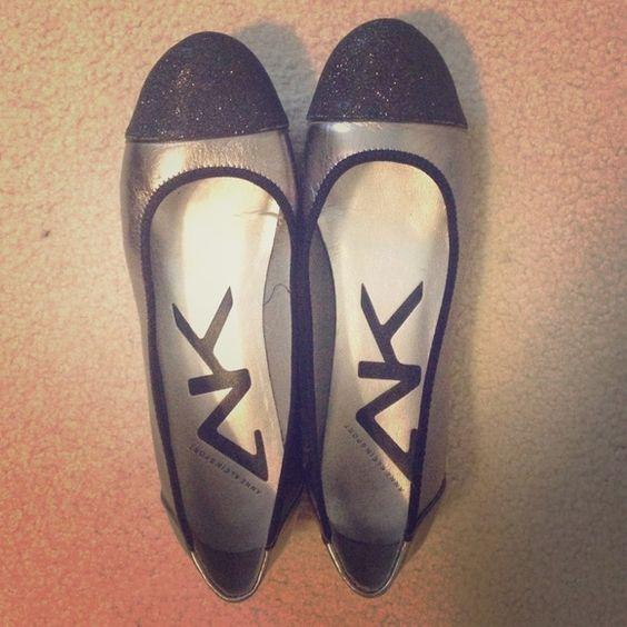 Anne Klein Sport glitter toe flats silver/black Gorgeous! Anne Klein Sport glitter toe flats silver/black. Never worn. Size 9 Anne Klein Shoes Flats & Loafers