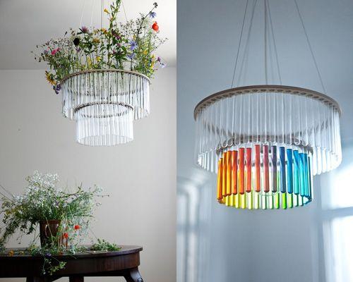 Lámpara-planta hecha con tubos de ensayo de laboratorio. Diseño: Pani Jurek.