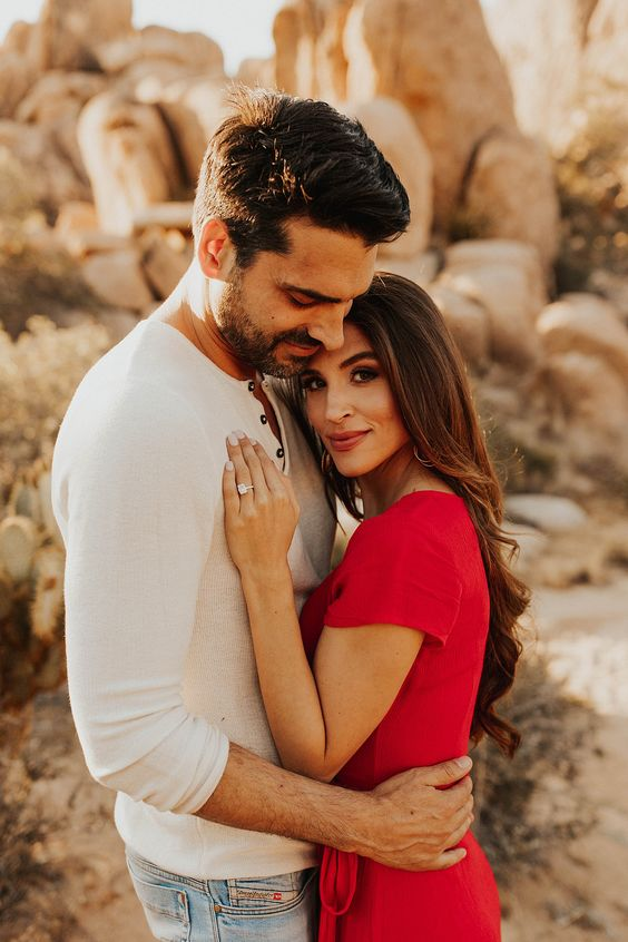Joshua Tree Engagement Shoot // Engagement Photos // National Park