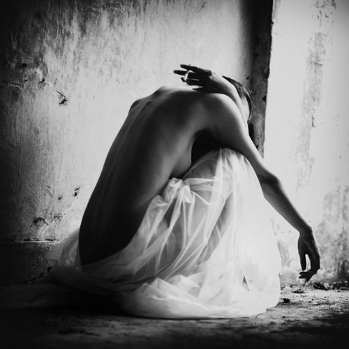 """""""There is no longer a woman's dreams...""""  Photography byTommy Cavarela:"""