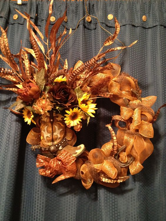 Western boot wreath w/ mesh!