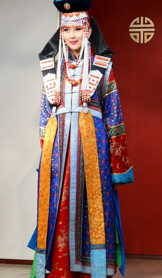 Costume traditionnel. MONGOLIE