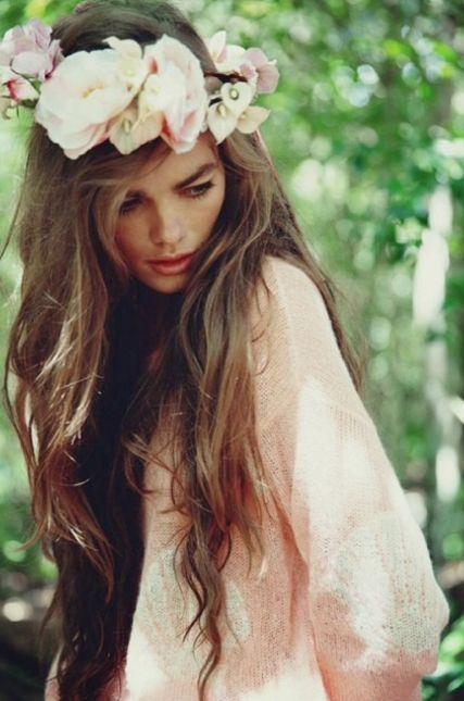 Wild Flower Crowns / Wedding Style Inspiration / LANE (instagram the_lane)