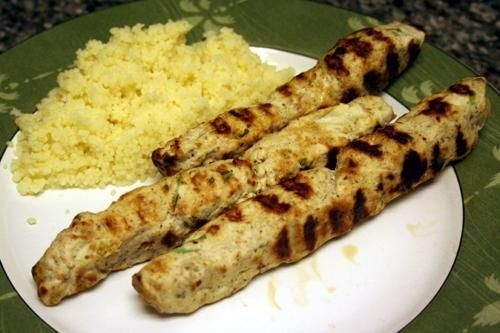 ground chicken kofta kebabs. hmm so the flavor was good, but ground chicken breast is super lame. next time will just make regular kofta with ground beef: