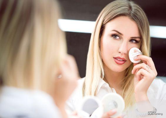 Blog: SHOPPISTICATED (Kira Tolk), Make-up: Yves Rocher // PURE LIGHT Fond de Teint Cushion, Jewellery: JOOP!, Dress: Ilse Jacobsen, Photographer: Fotocruz