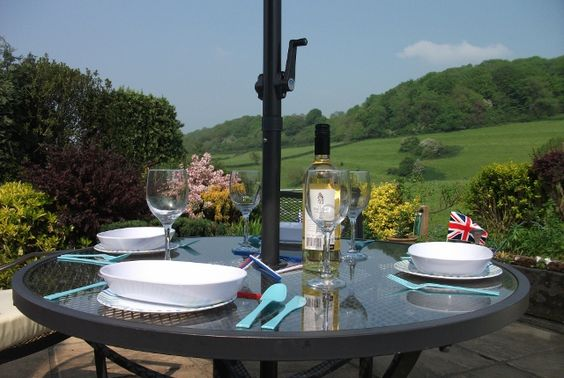 Come enjoy the sunshine now! 3 night short break in 4 star comfort! Tuesday 29th May- Friday 1st June. Was £255, Now Just £235! Come and explore the beautiful Cotswolds & Royal Gloucestershire!
