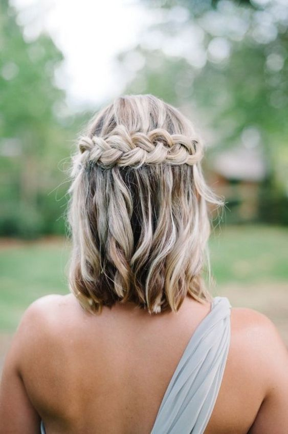Medium Length Wedding Hairstyle For 2020 Brides In 2020 Medium Hair Styles Medium Length Hair Styles Braids For Short Hair
