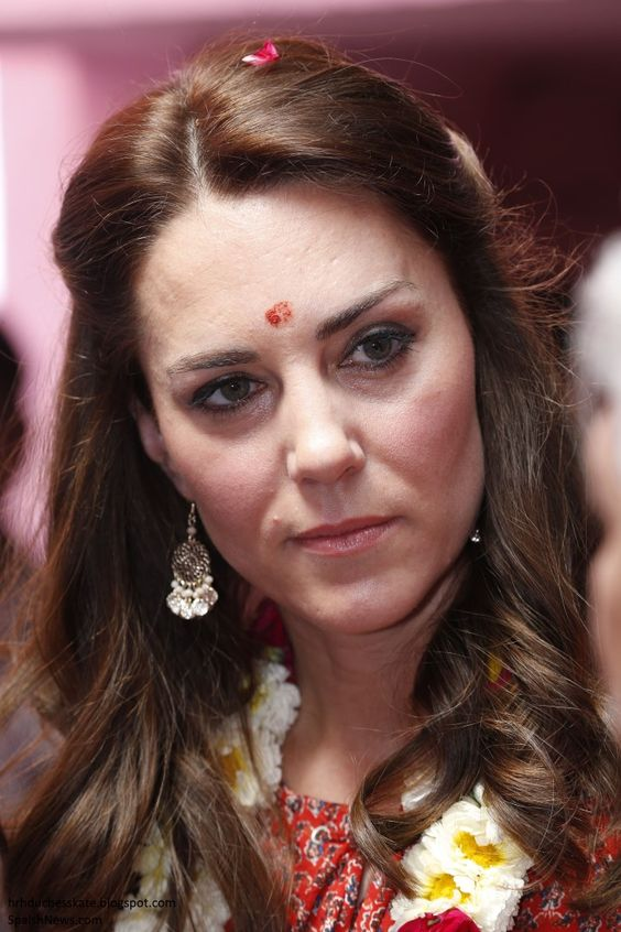 hrhduchesskate:  Royal Tour, 2016, Day 3, Salaam Balaak Trust, New Delhi, India, April 12, 2016-The Duchess of Cambridge with a bindi to indicate her married status: