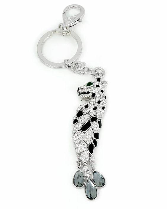 Sleutelhanger 'Snow Panther' bezet met Swarovsky Elements. Het mooist aan een mooie handtas!