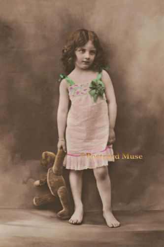 GIRL-WITH-A-TEDDY-BEAR-Vintage-Postcard-Image-Photo-Blank-Card-Or-Print-CE135