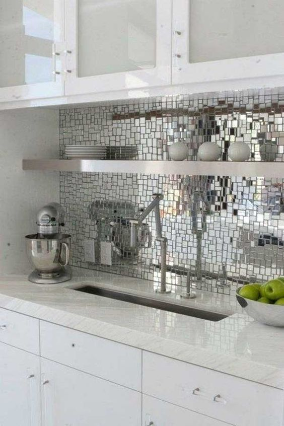 Backsplash is that part of kitchen easily impresses people who walk into the kitchen. If you want your kitchen to be personality expression, remodel backsplash is a smart choice. Most people do not like it covered with traditional tiles, but want it to be a bright focal point then innovative ideas are needed. They could […]