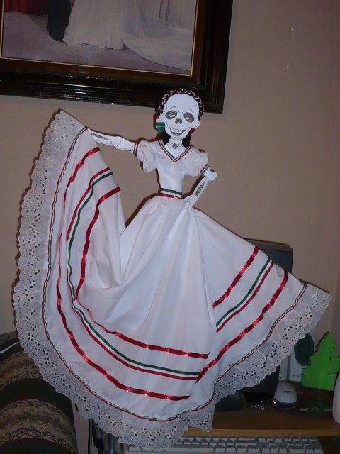 Calaveritas Disfrazada, Calaveritas Vestidas, Tareas Manualidades, Exposiciones, Artesanias Mexicanas, Cinco De, De Los, Día De Muertos, Catrinas