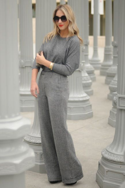@cupcakesandcashmere blogger Emily has tips for recipes, fashion, decorating and entertaining... Love this look. So different.
