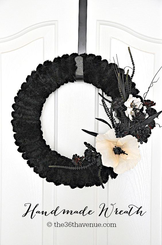 Halloween Wreath Tutorial: