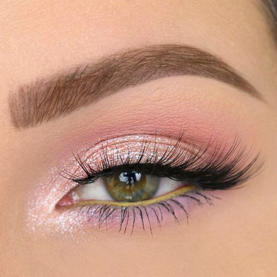 35 Pink Eye Makeup Looks To Try This Season!