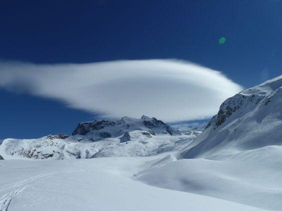 Zweitagesskitour auf den Colle Gnifetti (4420m)   aufundab.eu