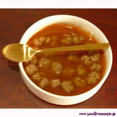 Sulu Köfte - Tomatensuppe mit Rinderhackbällchen Sulu Köfte ist eine leckere Tomatensuppe mir Hackfleischklösschen laktosefrei glutenfrei kalorienarm und low carb - türkisches Rezept