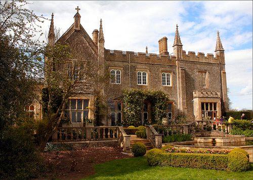 Bradwell Grove Manor House