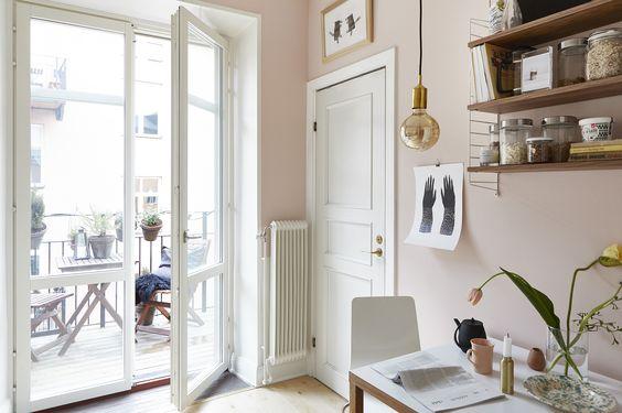 pale pink dining spot, via http://www.scandinavianlovesong.com/