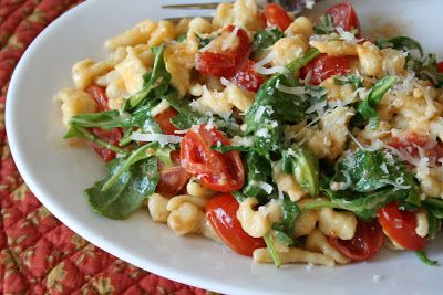 tune 'n fork: Spaetzle with Arugula and Tomatoes