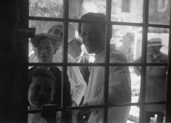 Κρήτη, 1935, πρόσωπα στη Σπιναλόγκα.