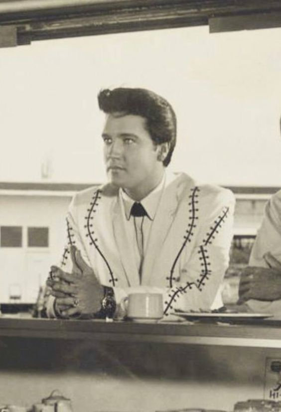 "Elvis ""Clambake"""