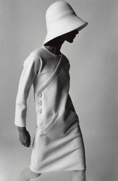 Mode 1960er Jahre  Bernadette, Kleid von Lanvin  F.C. Gundlach  Paris 1966  in: Annabelle 8/1966