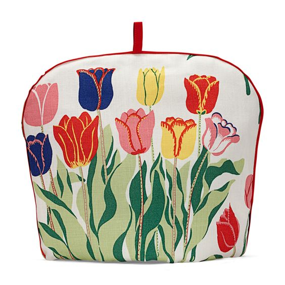 Tea Cosy in a Josef Frank print Tulips are my favourite flower - what a beautiful print