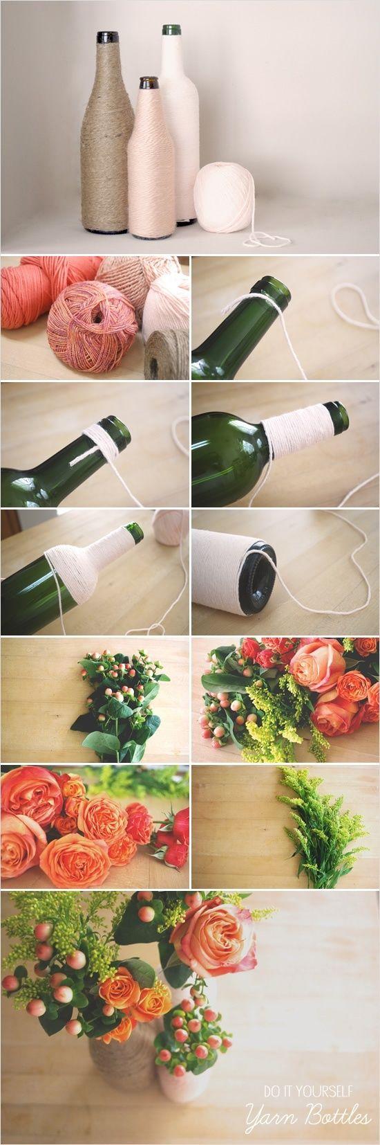 Arreglos florales. Botellas de vino recicladas, forradas con mecate o estambre.