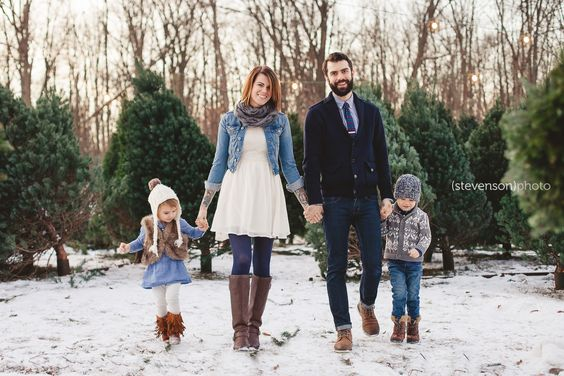 Christmas Tree Stand Photos Family Photo Ideas Winter Kstevensonphoto